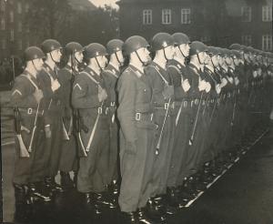 1958-2 Panzerbataillon 83 übernimmt die Schliffen-Kaserne