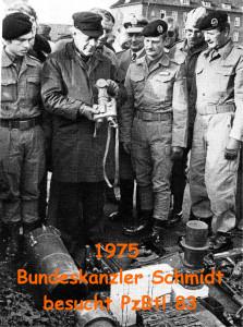 1975 Bundeskanzler Helmut Schmidt beim PzBtl 83
