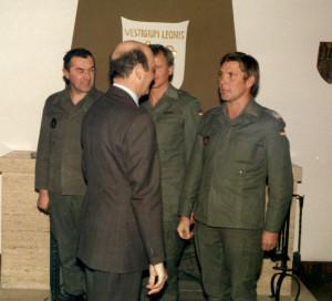 1986 1 Wörner mit Kommandeuren