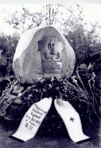 3004 Der Gedenkstein