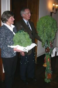 2004 Helmut I bereit zur Übergabe v. Krone u. Zepter